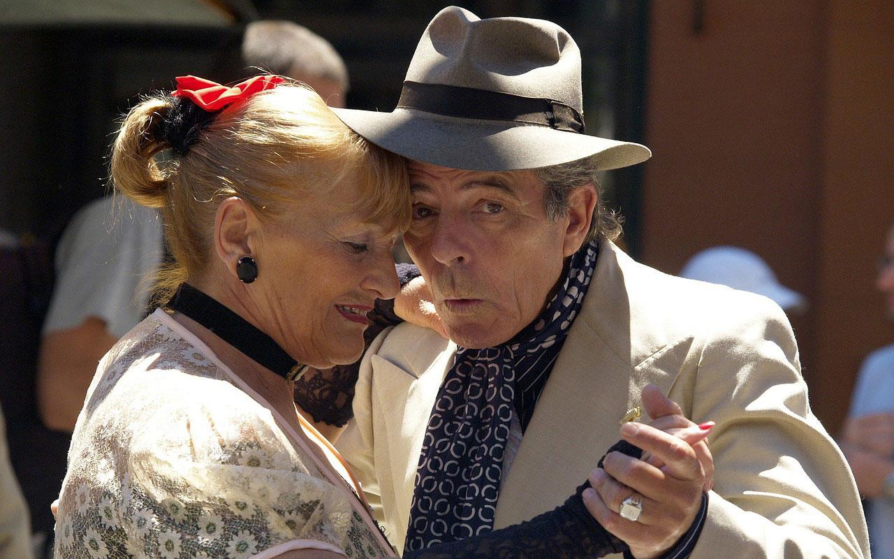 Anziani ed intrattenimento: le attività ricreative da fare nella casa di riposo - Gruppo Votto Alessi